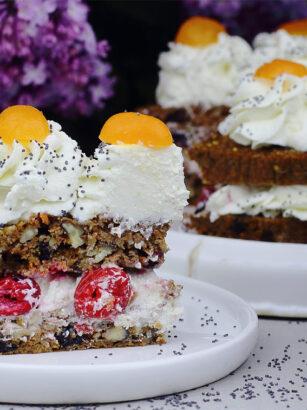 Дієтичний морквяний торт