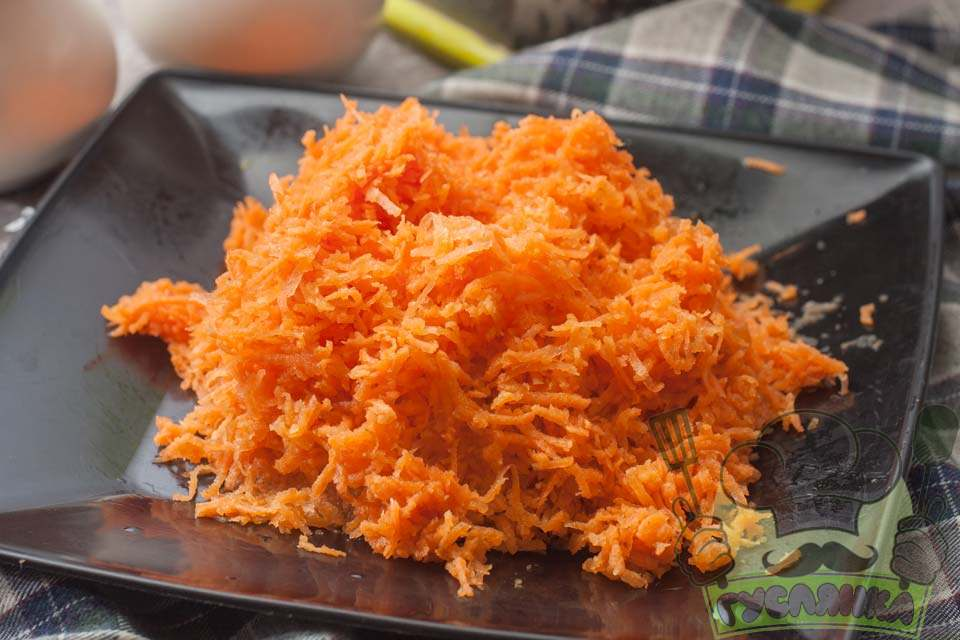 моркву також чищу та тру на тертці