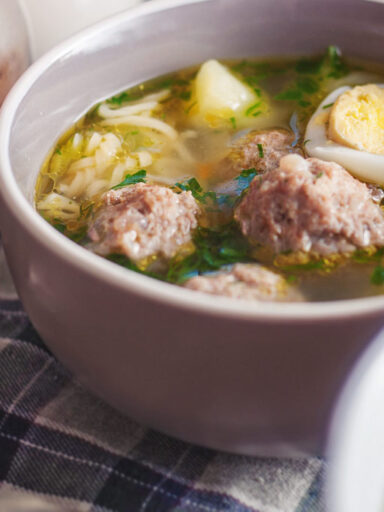 Суп з мівіною і тефтельками