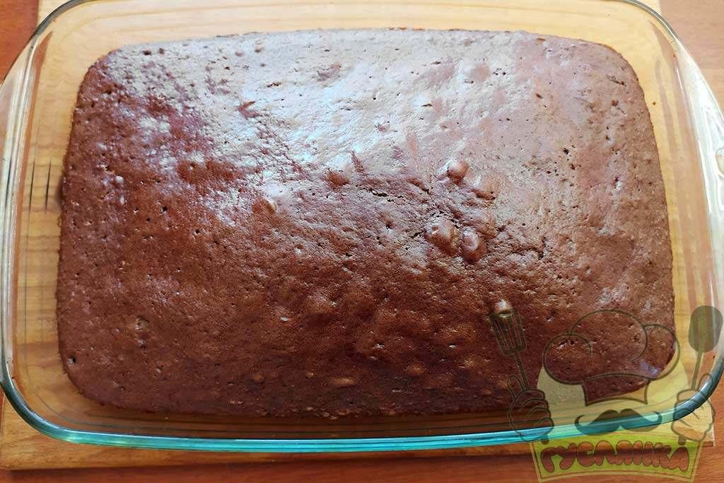 ставлю пиріг в прогріту до 180 градусів духовку на 40 хвилин