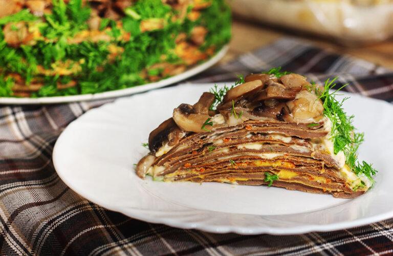 Печінковий торт з курячої печінки та грибів