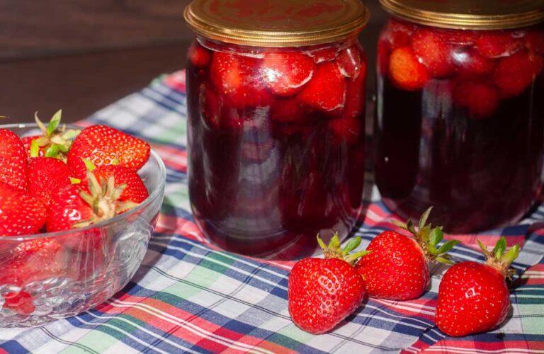 Варення із полуниці з цілими ягодами