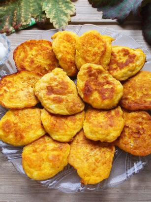 Оладки з гарбуза та сиру